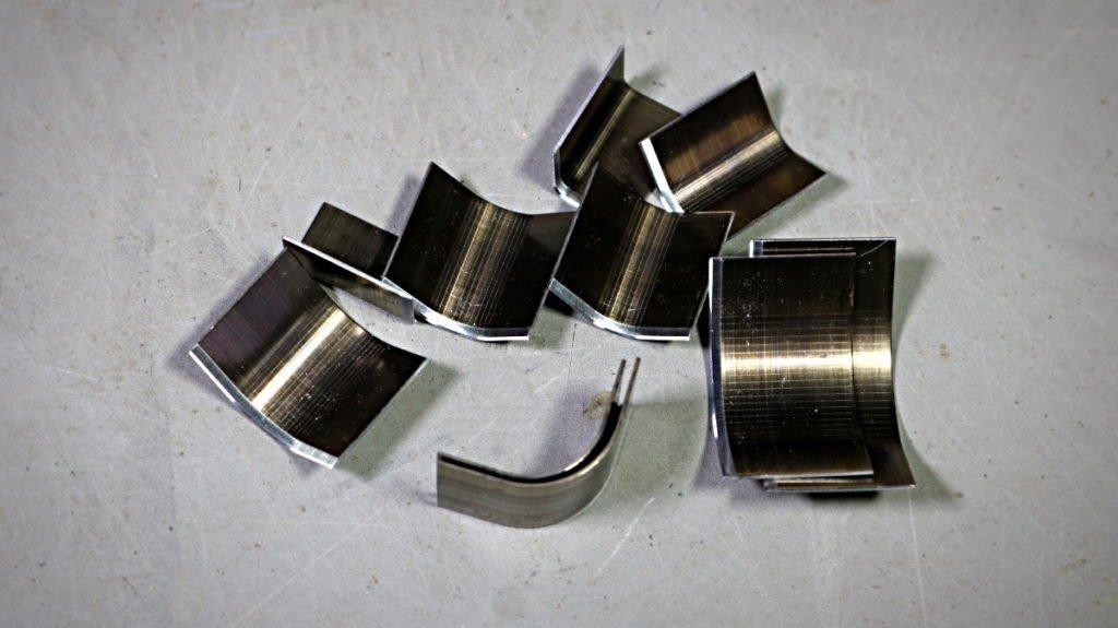 couper les coins, casser les angles - maroquinerie et travail du cuir - tithouan pour point-sellier.com