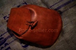 Exemple sac à dos en cuir tannage végétal cousu main artisanal
