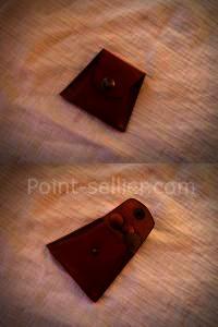 porte monnaie trapèze à soufflet en cuir, un morceau de cuir et deux coutures